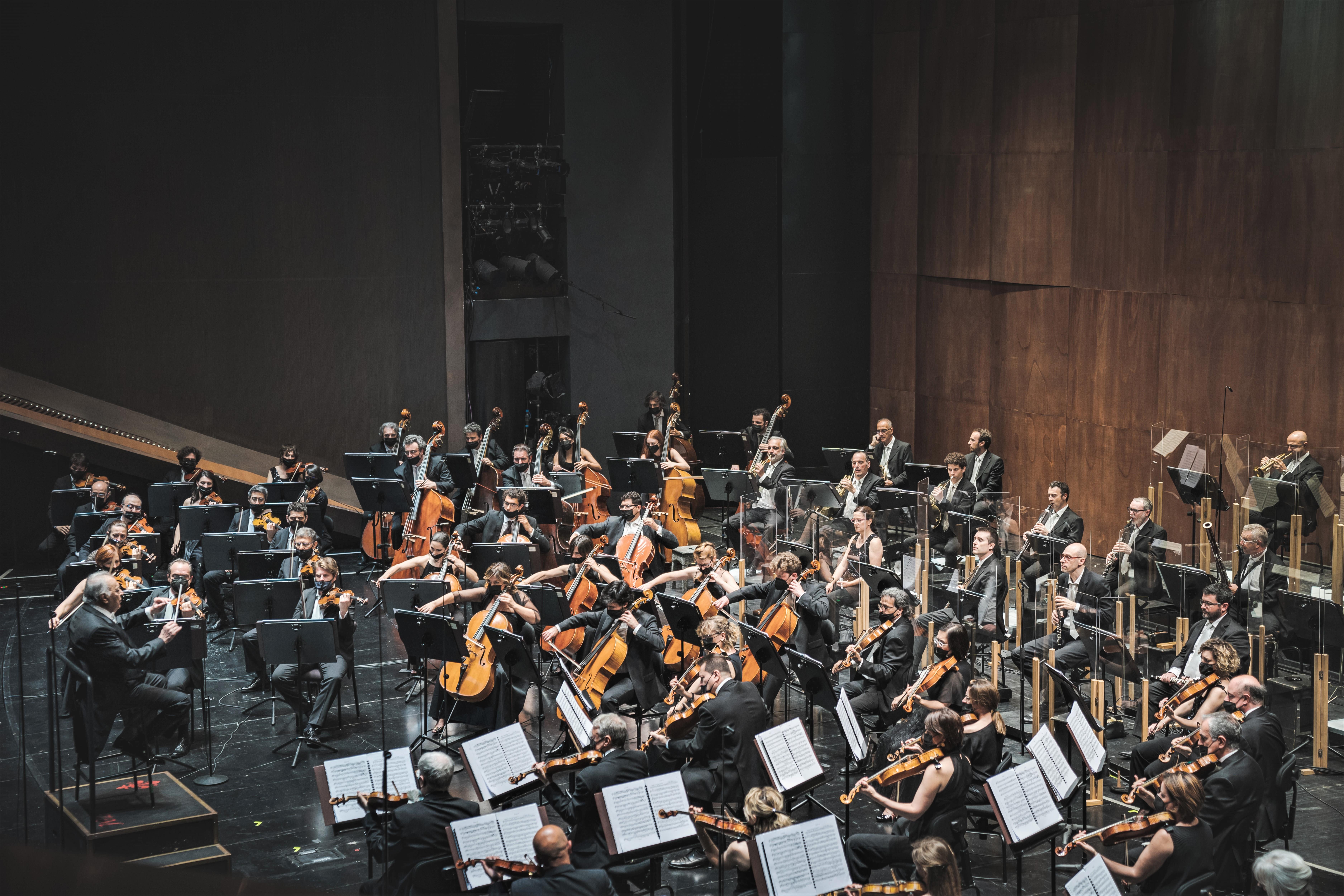 Zubin Mehta e l'Orchestra del Maggio Musicale Fiorentino (foto Michele Monasta)