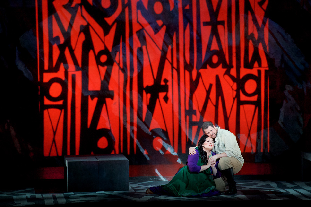 Alexandra LoBianco (Aida) and David Pomeroy (Radamès). Jacob Lucas
