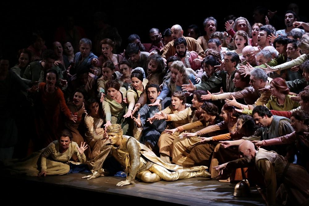 Francesco Meli e coro - Foto Teatro alla Scala