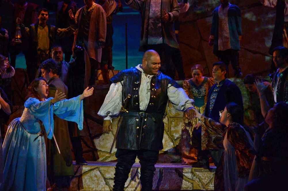 Issachah Savage (Otello) Copyright - Marco AyalaOFJ