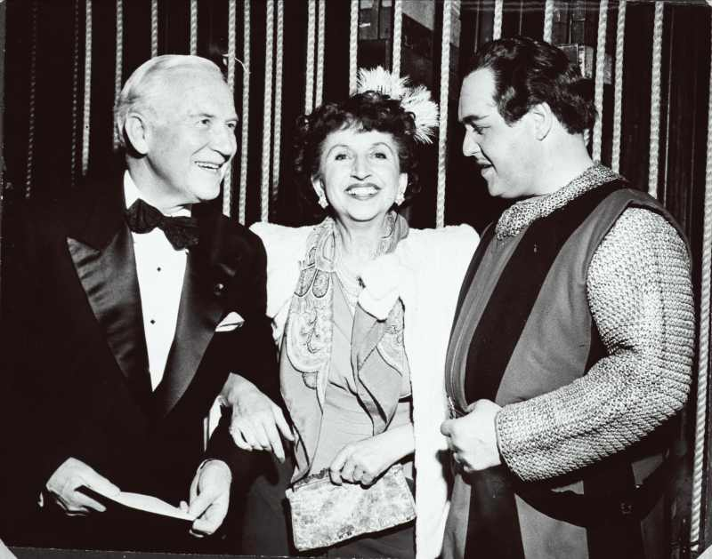 Jussi Björling accanto a Edward Johnson e Amelita Galli-Curci - foto del sito http://www.jussibjorlingsallskapet.com