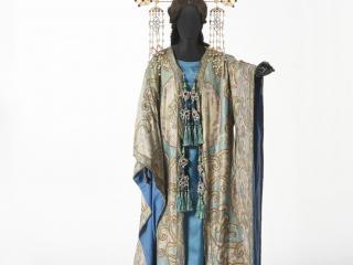 """Luigi Sapelli """"Caramba""""-Costume di Turandot, atto I - foto@ Museo del Tessuto Prato"""
