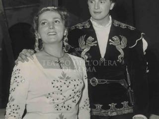 Corelli con Mercedes Fortunati in Giulietta e Romeo di R. Zandonai – Roma 31/01/52 (Archivio Teatro dell'Opera)
