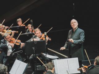Alexander Lonquich e l'Orchestra del MMF (foto Michele Monasta)