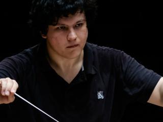 Aziz_Shokhakimov
