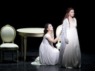 Mariella Devia e Carmela Remigio (Foto Rocco Casaluci)