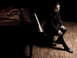 Fazil Say - Foto dalla pagina Facebook della Società dei Concerti di Milano