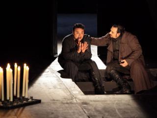 "Ramón Vargas (Carlo) e George Petean (Rodrigo) ""Don Carlo"" Bayerische Staatsoper - Munich  Copyright: Wilfried Hösl"