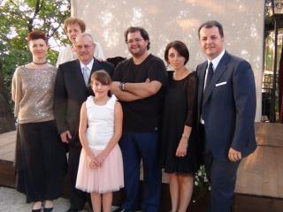 la famiglia Pezzini intorno al tenore Celso Albelo