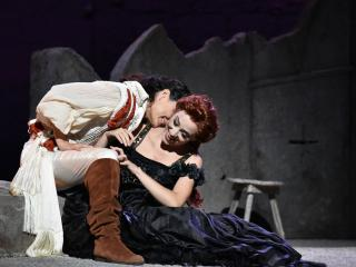 Leonor Bonilla (Giulietta) e Raffaella Lupinacci (Romeo) - Ph Fabrizio Sansone