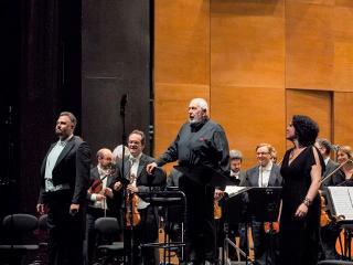 Alexey Tihkomirov, Mikhail Jurowski, Evelina Dobraceva (foto dalla pagina fb del Maggio Musicale Fiorentino)