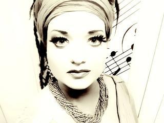 Rebeka Lokar - Aida