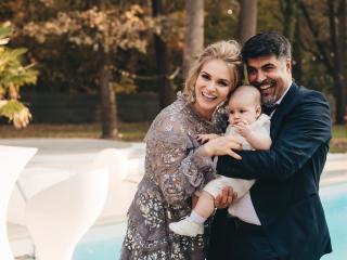 Mihaela Marcu con suo figlio e suo marito