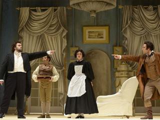 una scena de L'occasione fa il ladro con la regia di Jean-Pierre Ponnelle