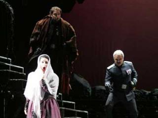 Amelia (Althea Maria Papoulia), Riccardo (Marco Berti), Renato (Roberto Frontali) - (foto di - Foto Parenzan, Trieste )