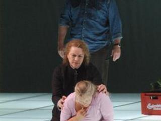 Stuart Skelton (Laca - dietro), Nadine Secunde (Sagrestana - in mezzo), Ann-Marie Backlund (Jenufa - chinata)