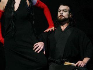 Tatiana Serjan (Lady Macbeth) e Carlos Alvarez (Macbeth)