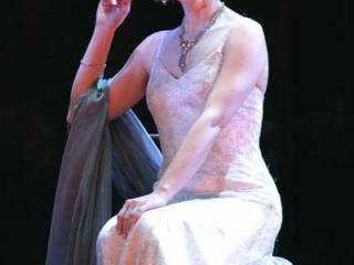 La comtesse (STEFANIA BONFADELLI)