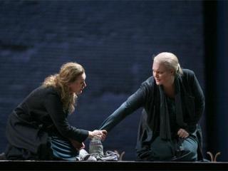 Waltraud Meier (Isolde) e Michelle DeYoung (Brangaene)