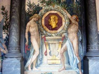 un particolare interno della cripta dove riposano Verdi e la Strepponi