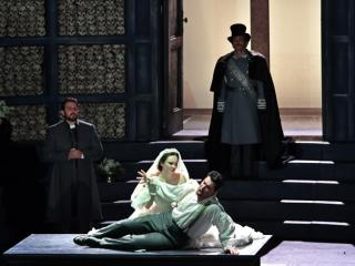 """Roméo et Juliette"" at the Gran Teatre del Liceu, photographer Antoni Bofill"""