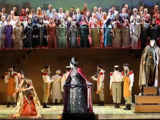 Alex Esposito(Assur), Joyce DiDonato(Semiramide), Daniela Barcellona (Arsace), Chor der Bayerischen Staatsoper - Copyright: Wilf