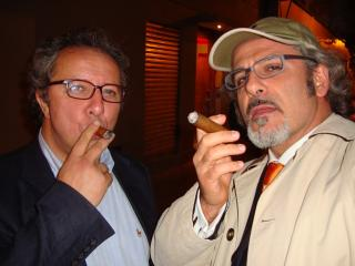 Dopo la prima di Italiana in Algeri, Santiago del Chile 2009 con un sigaro cubano offerto da Josè Fardilha
