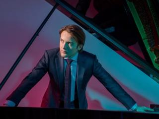 Daniil Trifonov (photo Dario Acosta)