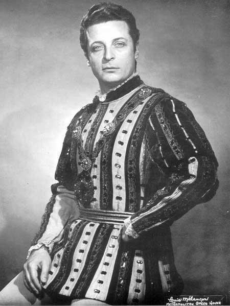 Alfredo Kraus nel ruolo del Duca