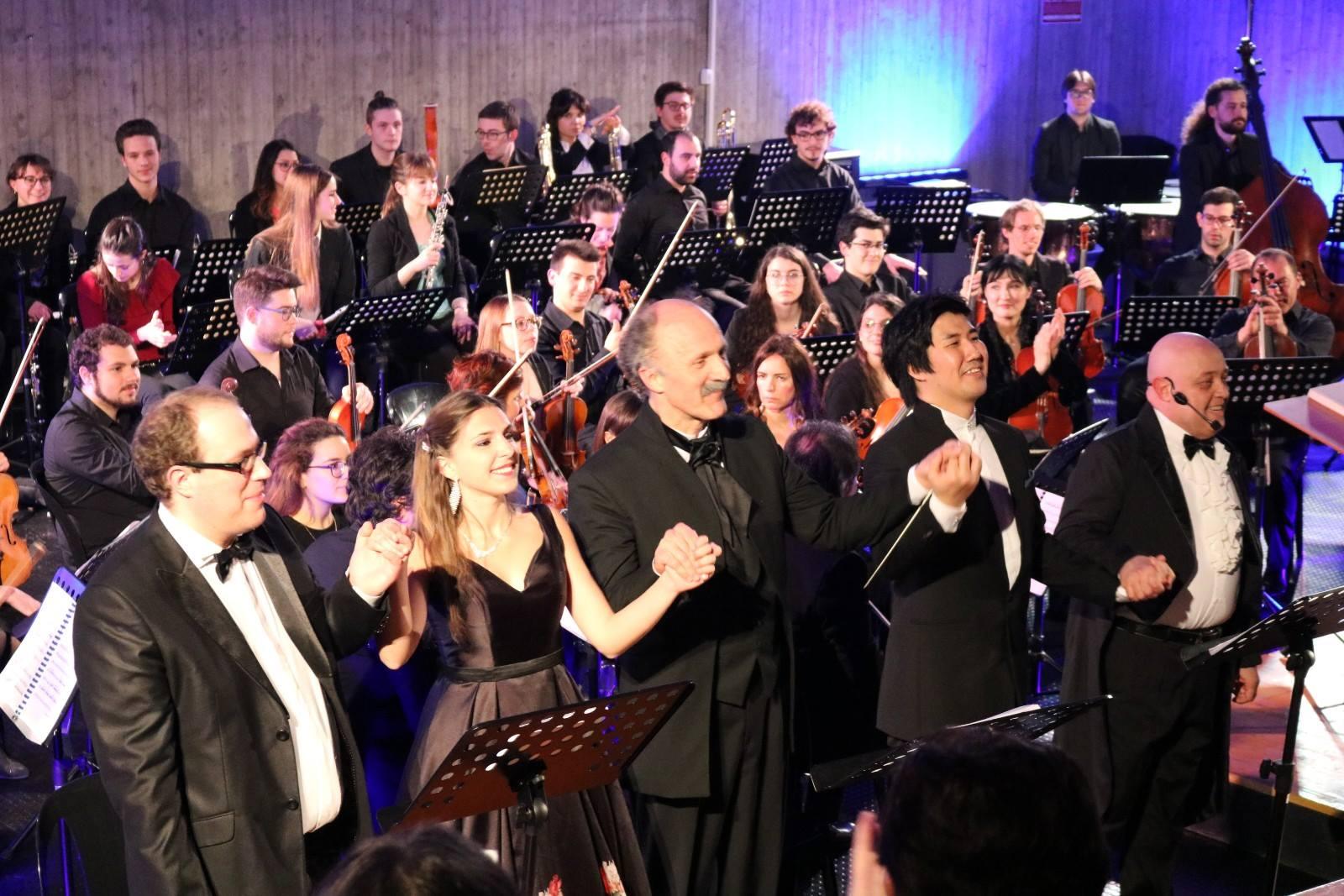 Ezio Passerini, Eleonora Boaretto, il M° Roberto Frattini, Song Hyunjung e Pietro Ghislandi foto di Riccardo Benlodi
