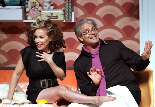 Il barbiere di Siviglia, Figaro... l'estetista gay.  Auditorio de San Lorenzo de el Escorial, Madrid 2011 con Manuela Custer
