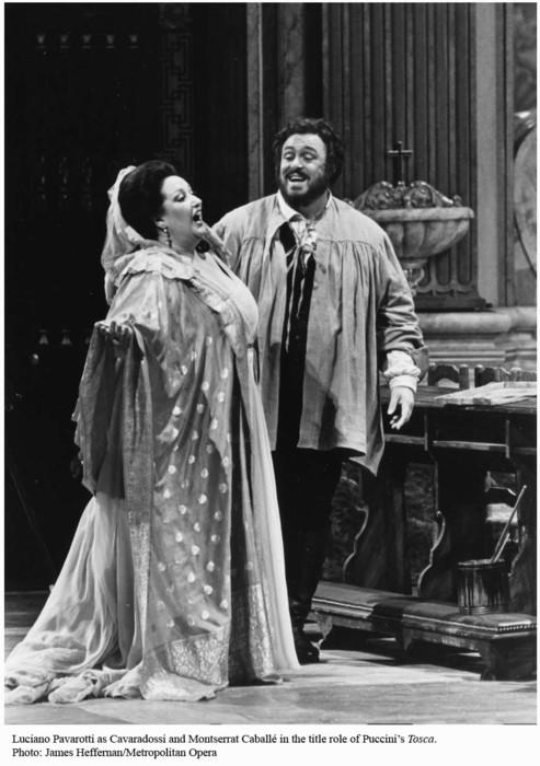 Luciano Pavarotti nel ruolo di Cavaradossi accanto a Montserrat Caballé
