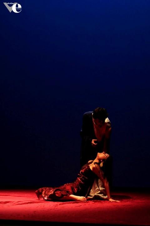 Antonio e Cleopatra...passioni e poesie. Regia, drammaturgia e coreografie di Valentina Escobar
